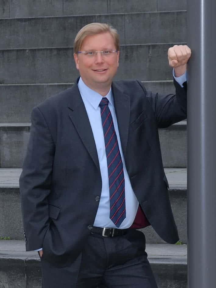 Dr. Daniel Zeiss